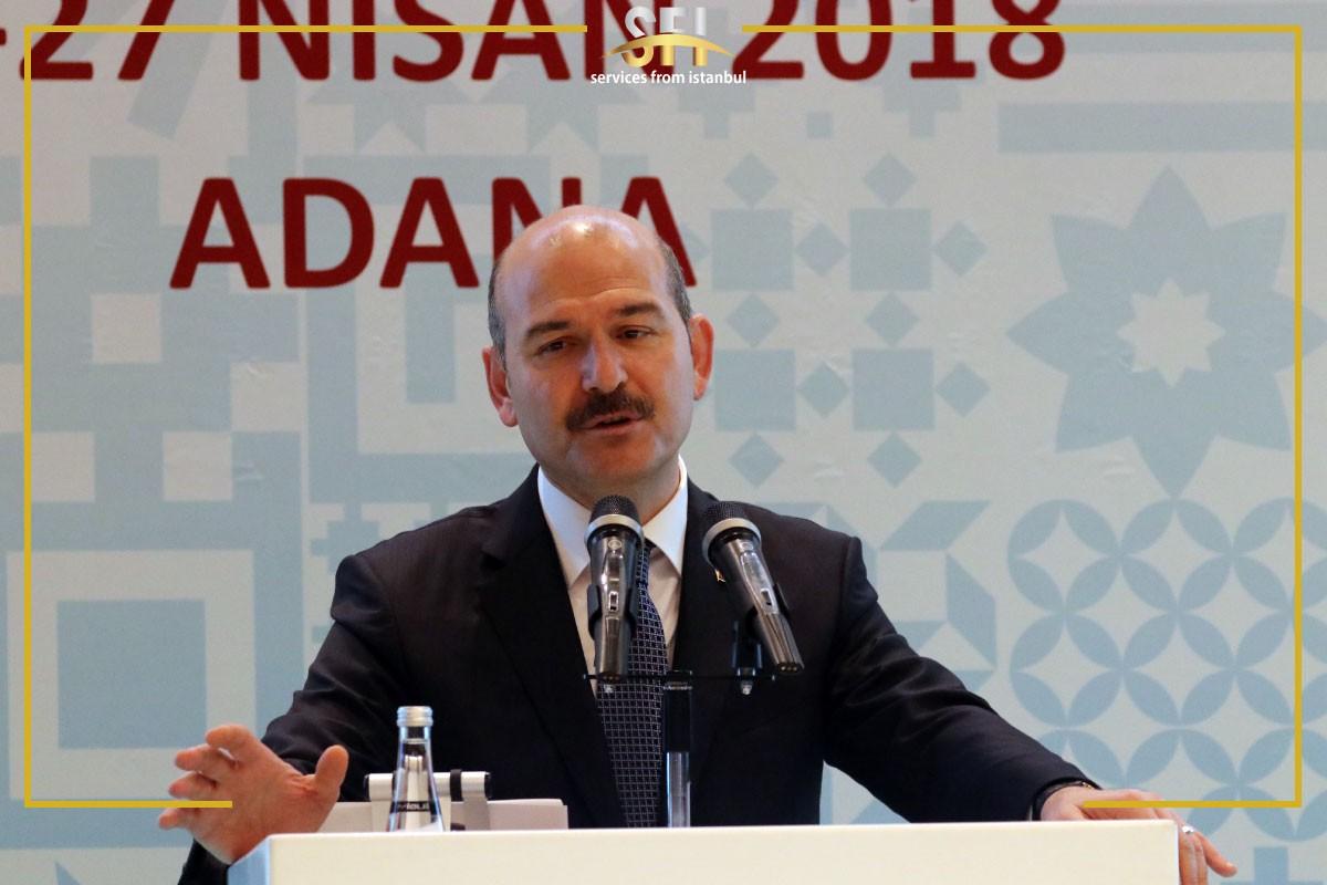 التصريح الجديد لـوزير الداخية التركي بخصوص السوريين صرح وزير الداخلية التركي السيد سليمان صويلو تقيباً للحملة الأخيرة التي شنّها بعض الناشطين الأتراك